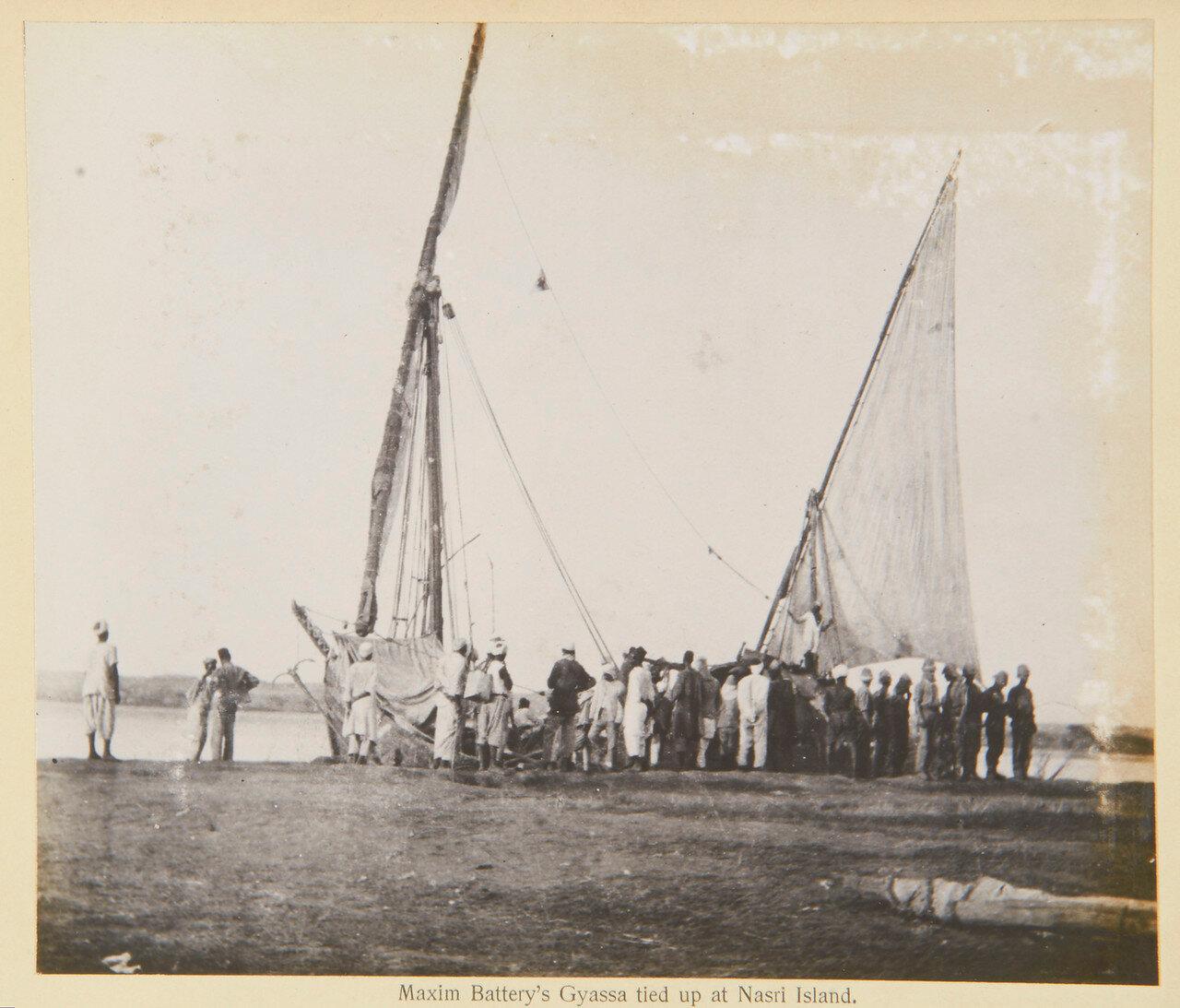 Батарея пулеметов Максим на острове Насри. Сентябрь 1898