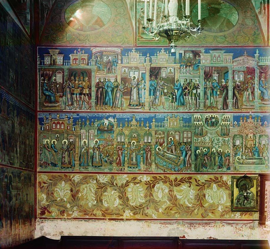 Одна из фресок в церкви Иоанна Златоуста (левая стена).