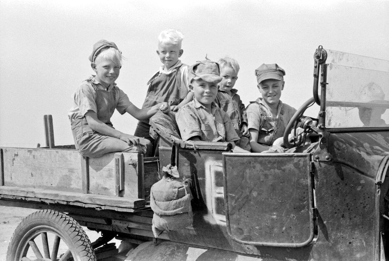 Фермерские дети, округ Шеридан, Канзас, 1939