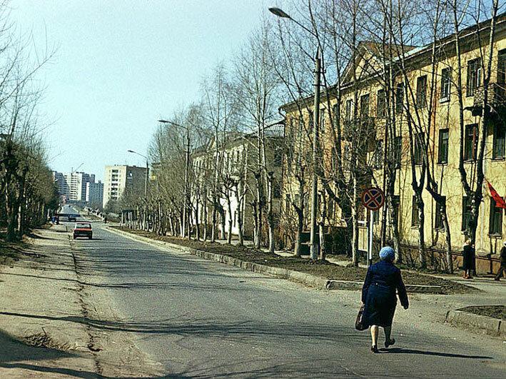 1980. Улица Летная, напротив Погребка