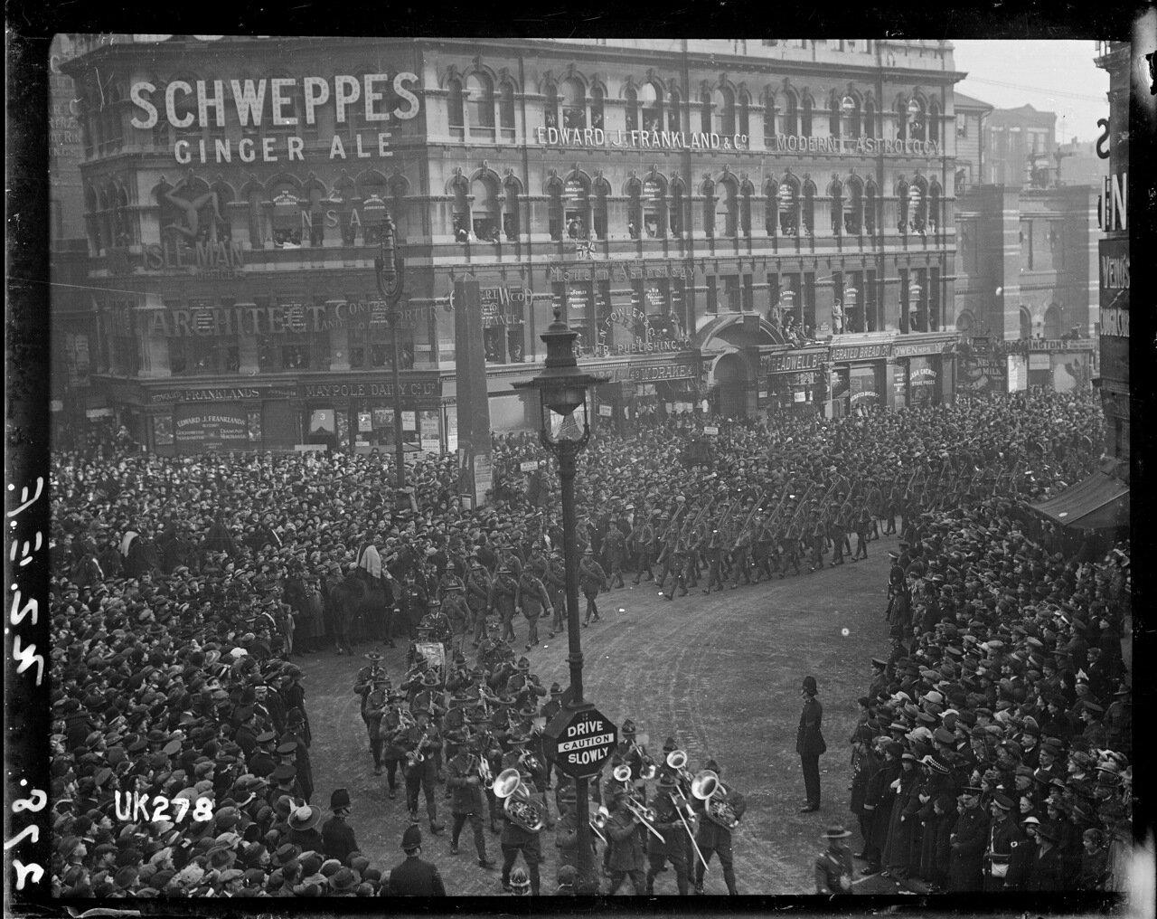 Новозеландские войска на параде в Лондоне