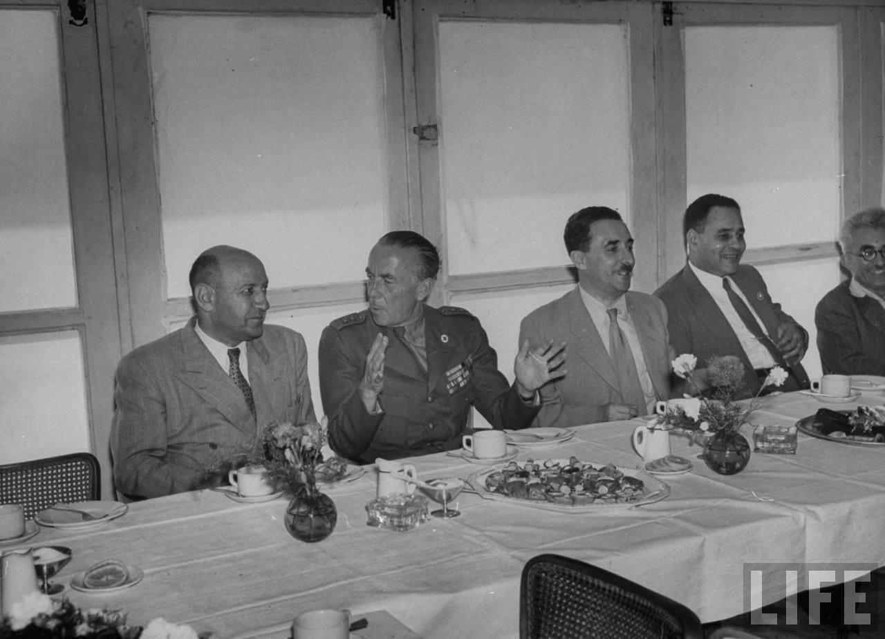 1948. Прощальный обед британских военнослужащих с членами израильского правительства