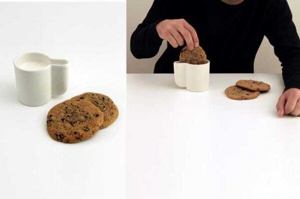 Cookie Dunking Mug - кружка для печенек. Наконец можно спокойно окунуть Ваше любимое печенье полностью