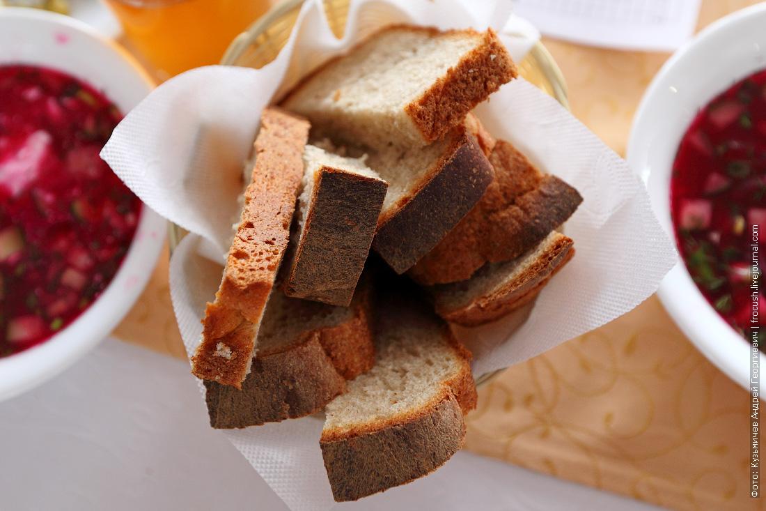 свежий хлеб выпекают на теплоходе Русь Великая
