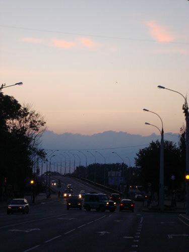 Отдых в Беларуссии: вечерний Брест, облака