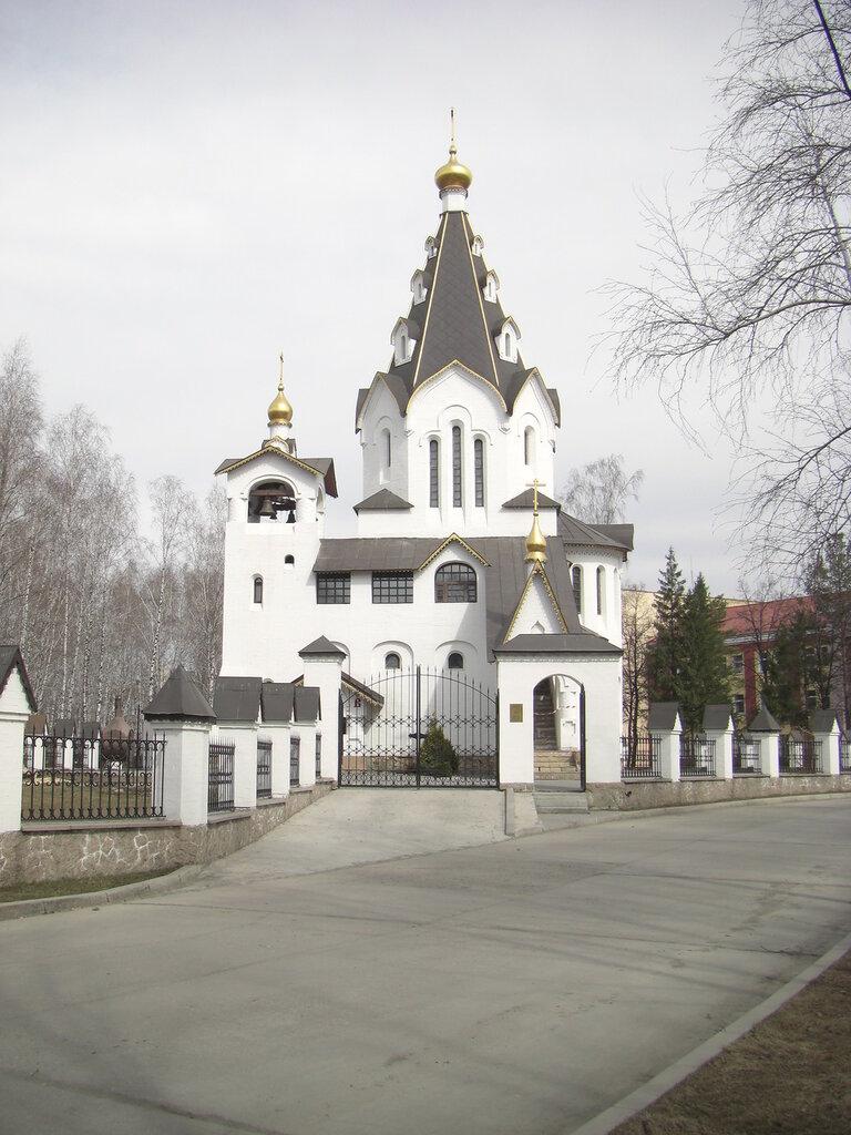 Вид на церковь (24.04.2014)