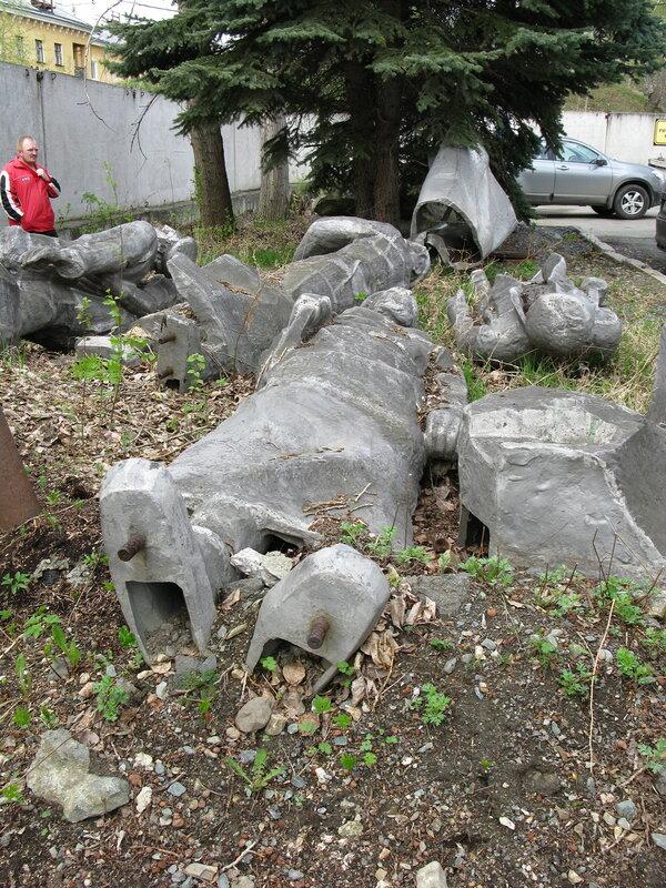 Памятник поверженным коммунистам