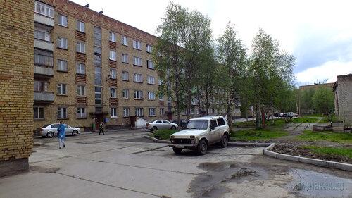 Фото города Инта №4577  Сенверная сторона Куратова 38 18.06.2013_13:30