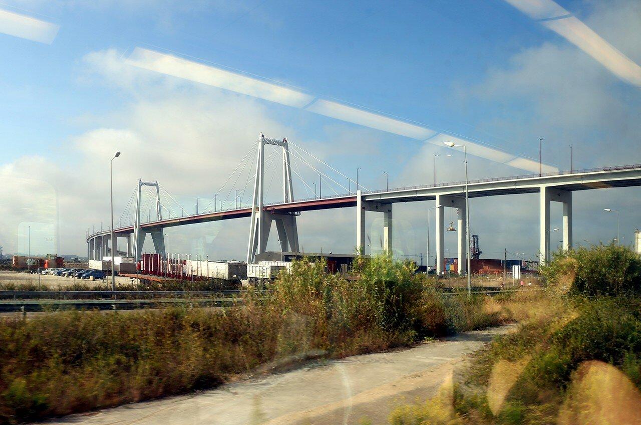 Фигейра-да-Фош. Мост Эдгара Кардосо (Ponte Edgar Cardoso)