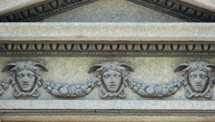 Адмиралтейство, архитектурный декор