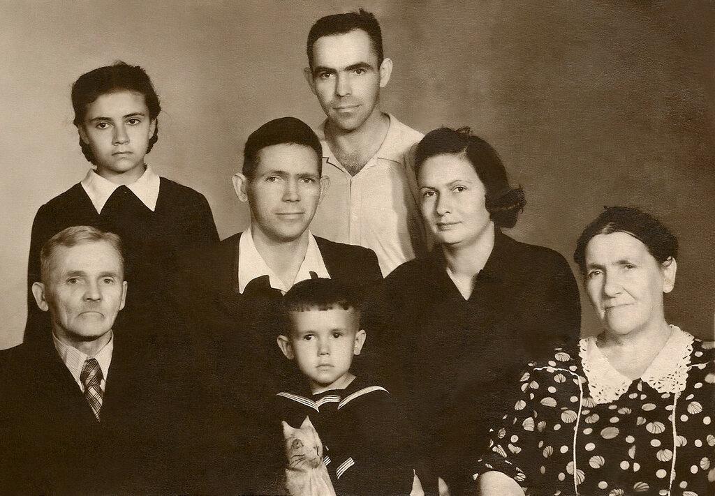 Мама, папа, бабушка, дедушка, дядя, сестра