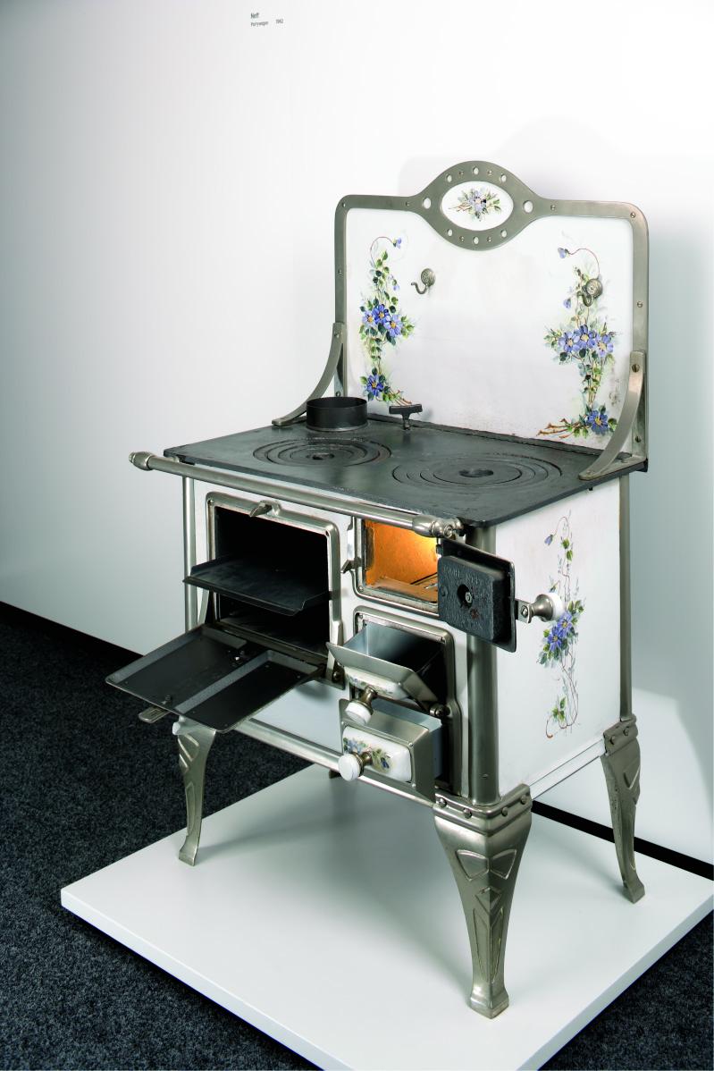 Плиты для выпечки Neff начала века.