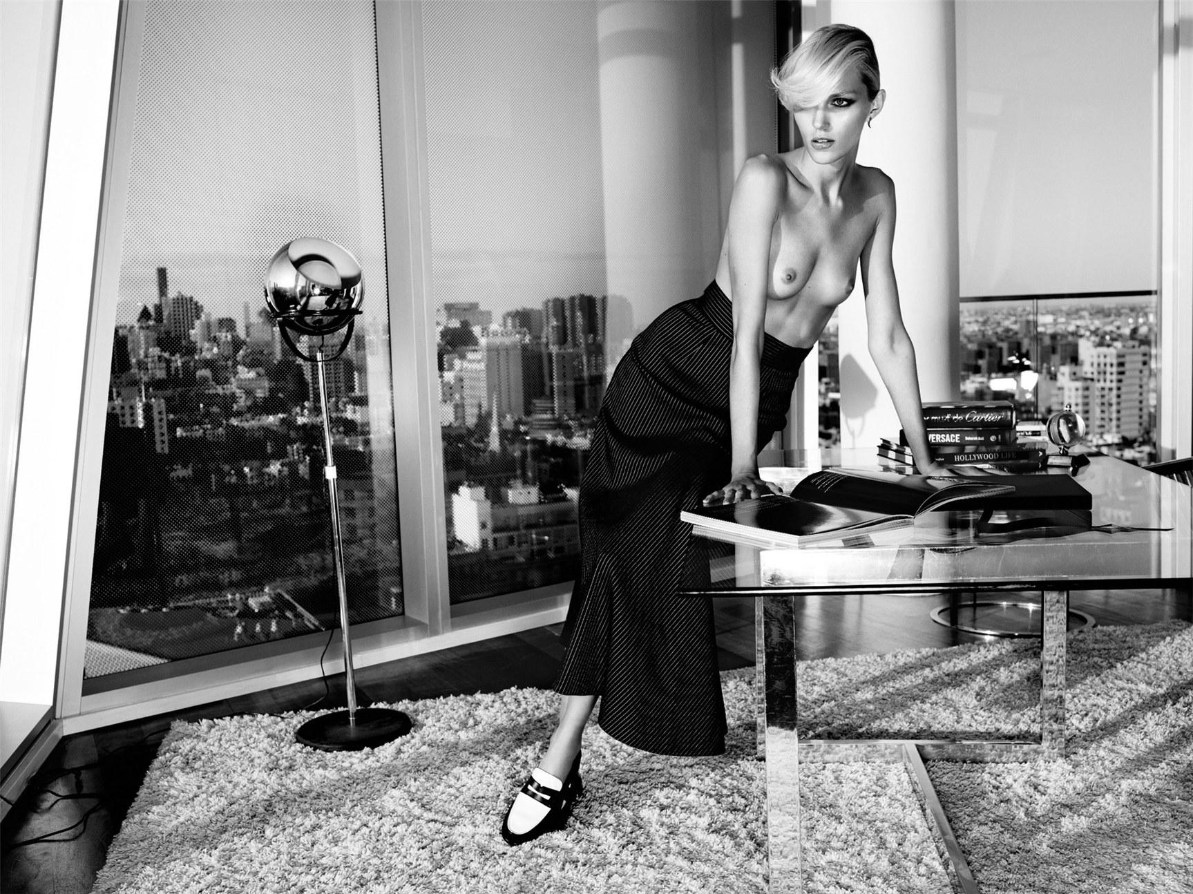 голая Аня Рубик / Anja Rubik by Paola Kudacki in Industrie Magazine #6, 2013