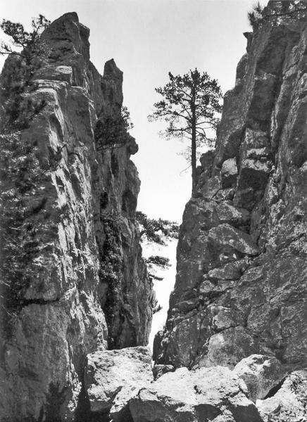 Ущелье Чабан-Ташъ близ Алупки