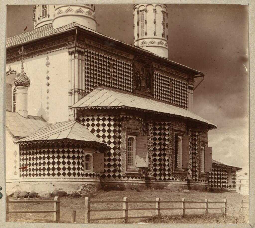 Петропавловская церковь (летняя). Деталь восточной стороны. Ярославль. 1910.