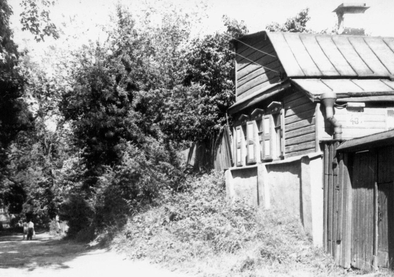 Начало ул. Олеговской в 1987 году.
