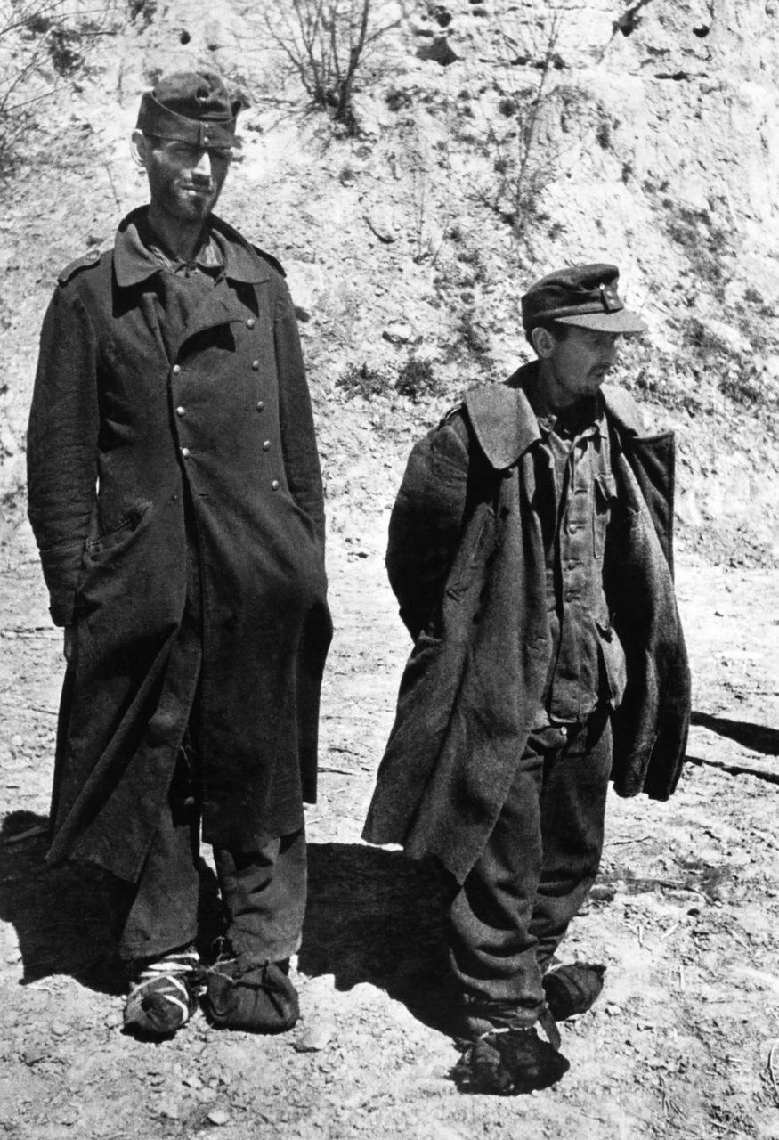 1943. Россия, два немецких военнопленных