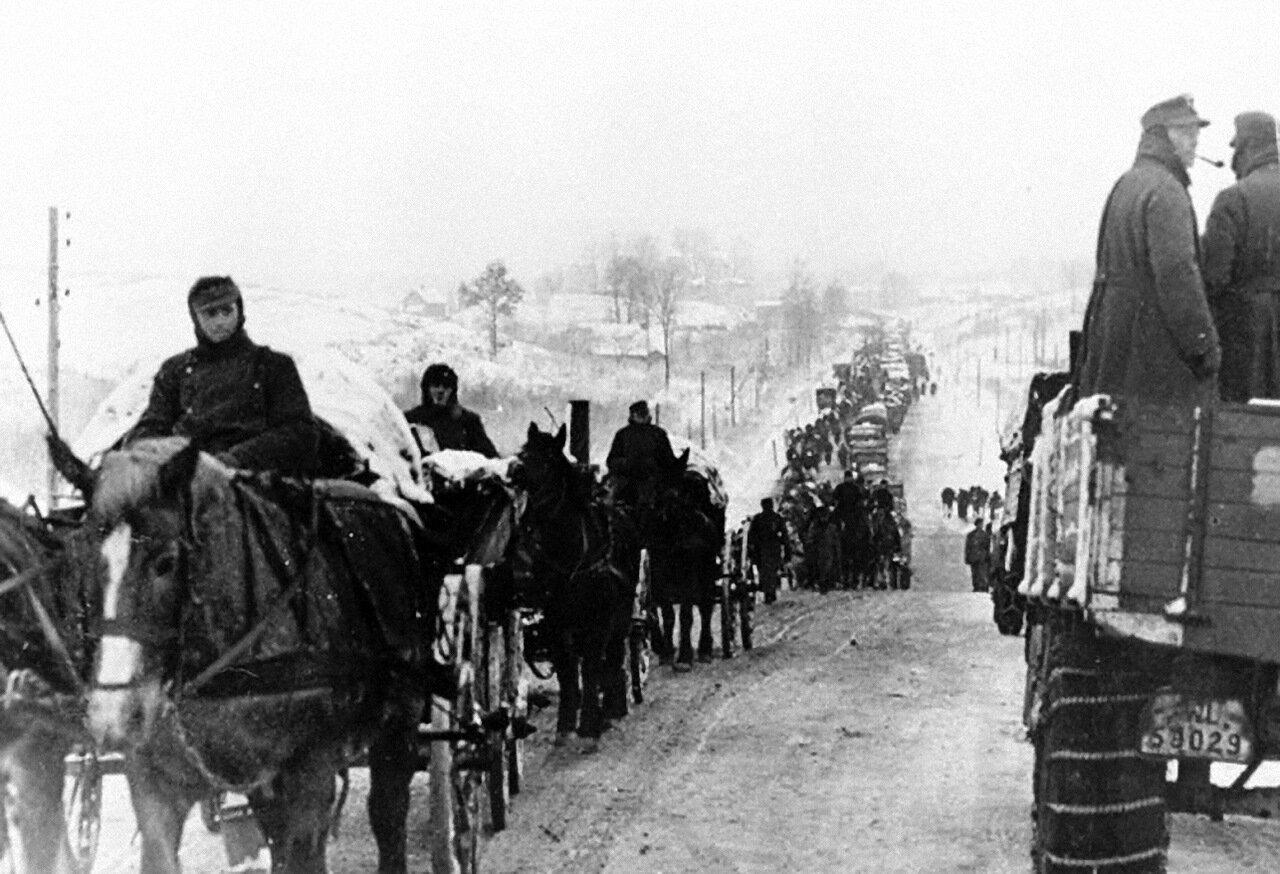 1944. Ленинградская область, колонна немецких войск