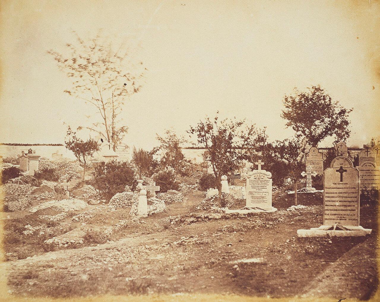 Могилы 33-го герцога Веллингтонского полка