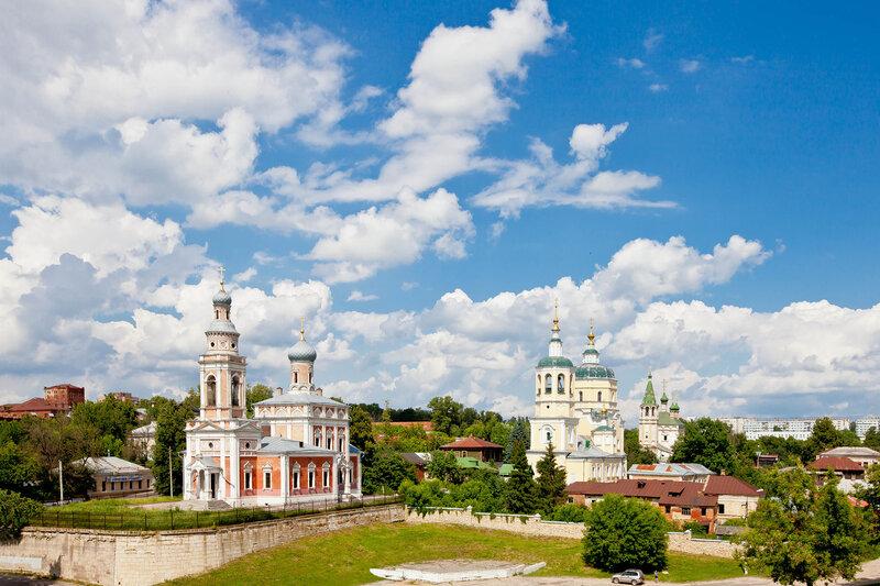 Посадские церкви Старого Серпухова - вид с Красной Горы