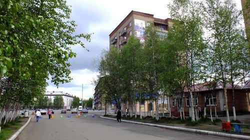 Фото города Инта №4648  Северо-западный угол Горького 1 и 1а 19.06.2013_13:44