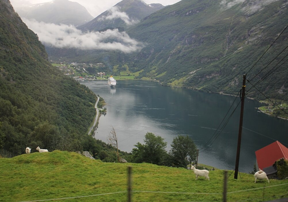 Дорога орлов (Ørnevegen), Гейрангер-фьорд