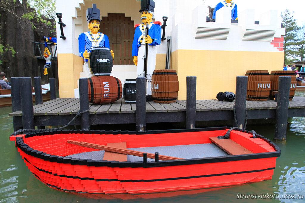 Pirate Boats в парке Леголенд