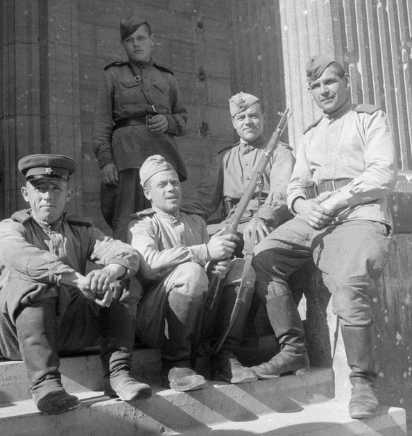 Vie quotidienne à Berlin en juillet 1945.