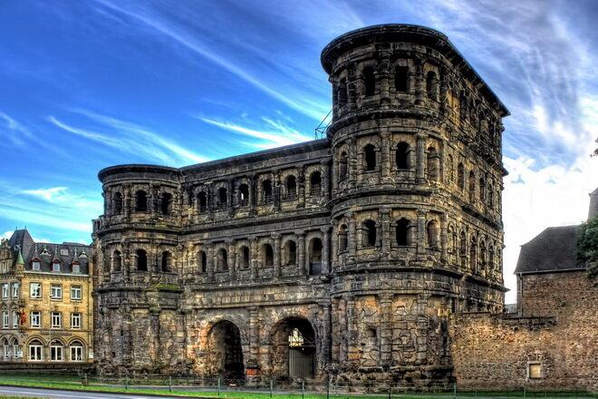 Черные ворота Трира. Германия