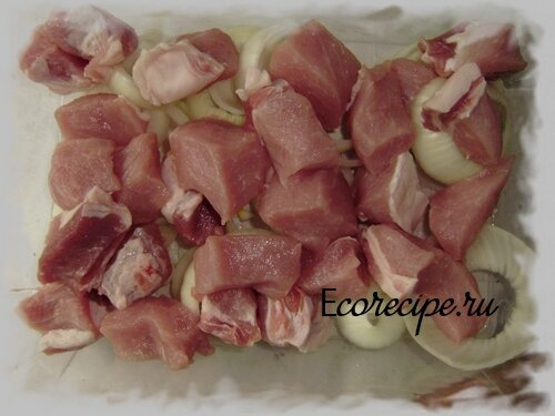 Свинина с луком для шашлыка
