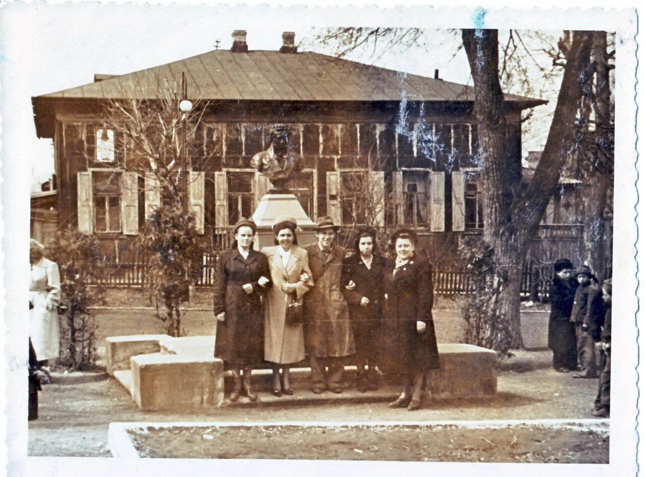 1950. Пушкинский сквер