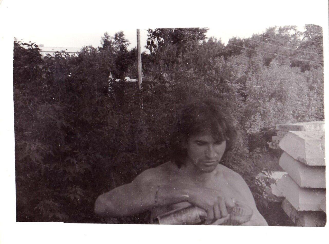 1992. Большое запойное путешествие в Новосибирск. Вечеринка на стройке возле площади Ленина. День города, а у нас как всегда