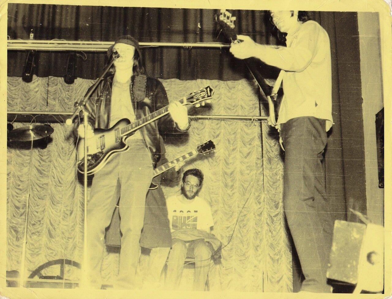 1992. На каком-то сборном концерте в Усолье