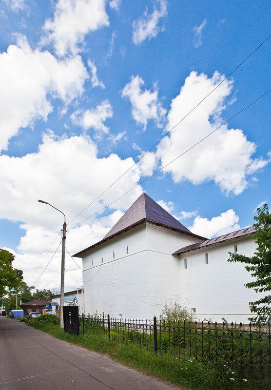 Башни Введенского монастыря