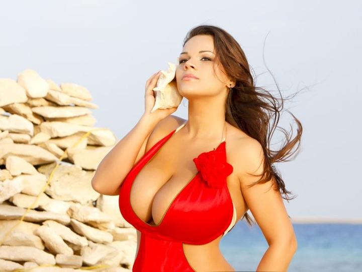Посмотреть ролик - Смотреть видео Марина Зарринг - девушка с большой грудью.