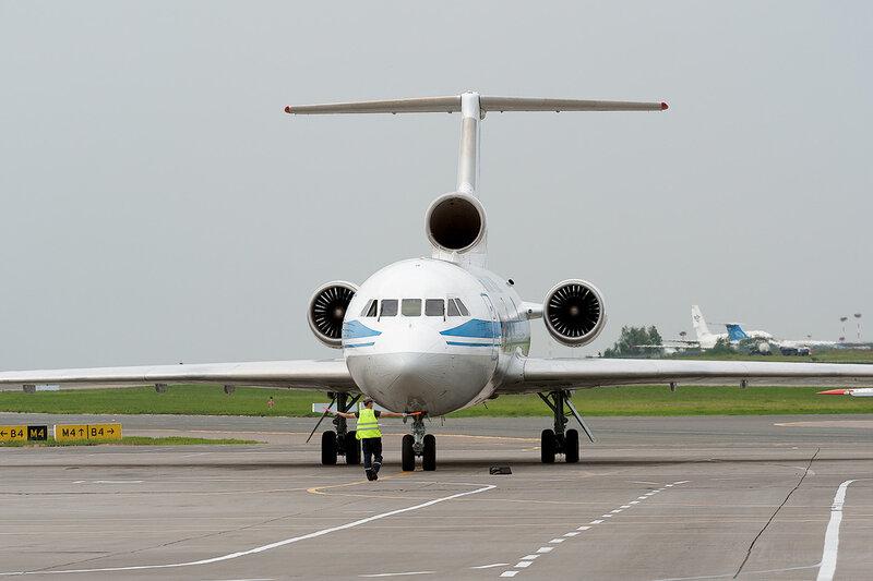 Яковлев Як-42Д (RA-42421) Авиацинные Линии Кубани DSC_1599