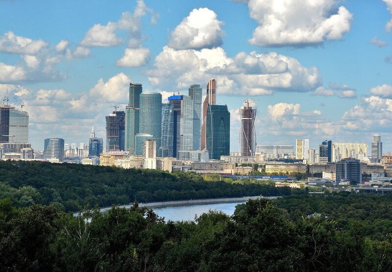 Воробьёвы горы - вид на ММДЦ Москва Сити.jpg