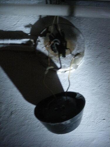 Вызов электрика аварийной службы с целью восстановления коммунального освещения (8-я линия В. О., Василеостровский район СПб)