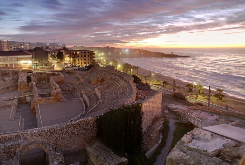 Таррагона. рассвет, римский амфитеатр