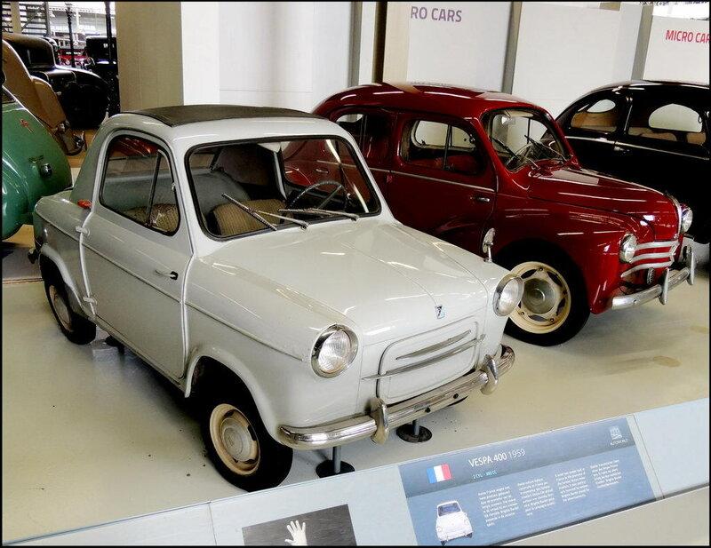 Autoworld 8186 Vespa 400 1959