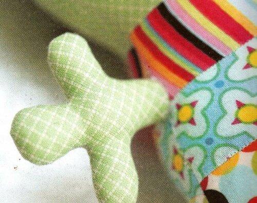 Игрушка инопланетянина из ткани