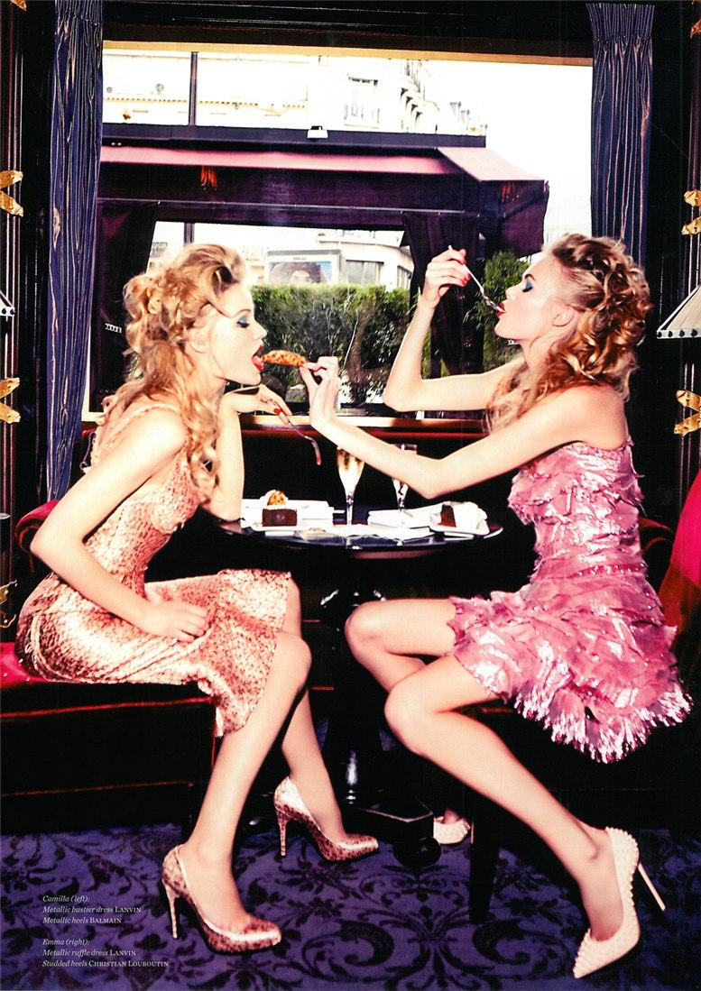 Так лучше быть богатым, чем... / Камилла Кристенсен и Эмма Штерн / Camilla Christensen & Emma Stern by Ellen von Unwerth in Vs. Magazine