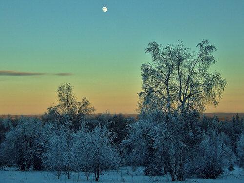 Вид с восточого склона горы Шунут (Свердловская область) в морозный вечер. Автор фотографии - Антон Косов