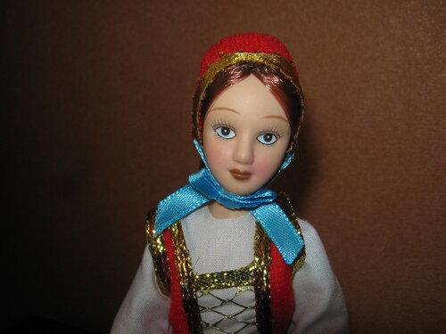 Куклы в народных костюмах №64 Кукла в праздничном костюме немки Поволжья