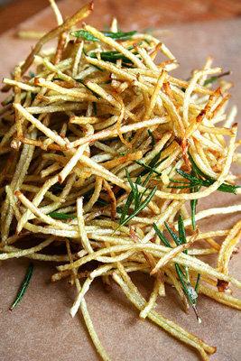 Обжарить весь картофель