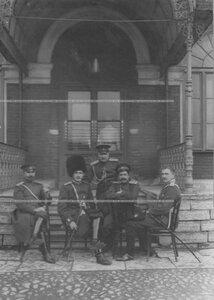 Группа офицеров, среди них граф Граббе М.Н. и Дягилев Ю.П.(2-ой справа).