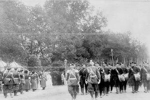 Гвардейцы во время марш-парада.