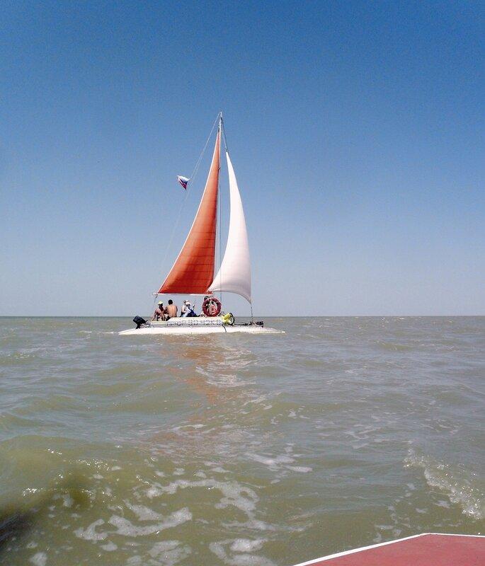 В июле, на море