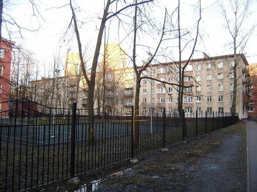 ул. Ленсовета 67к2