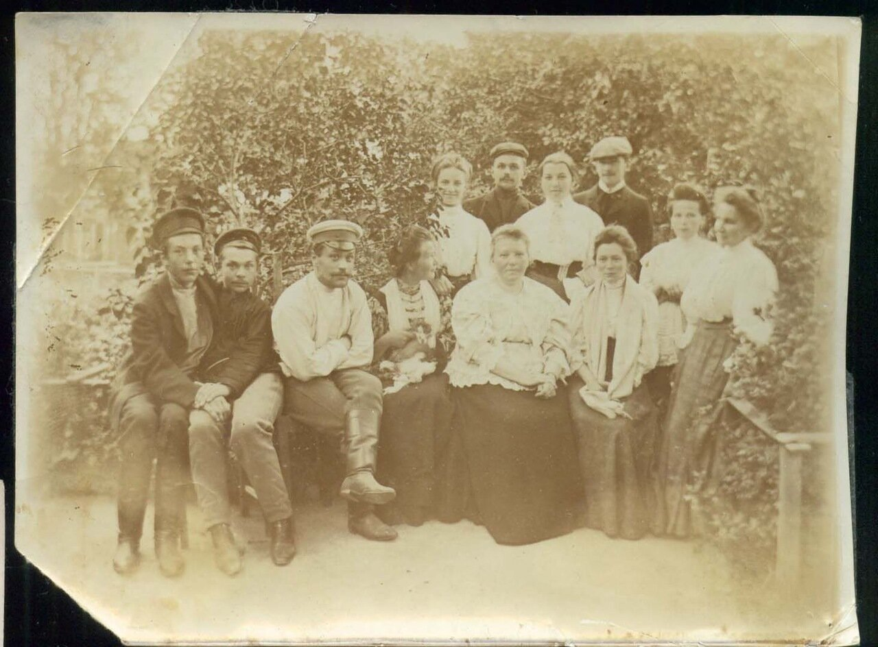 В деревне Красниково Солигаличского уезда 1908